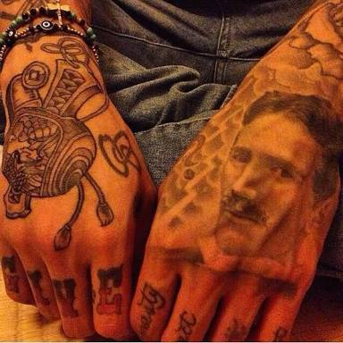 KOHH タトゥー 手