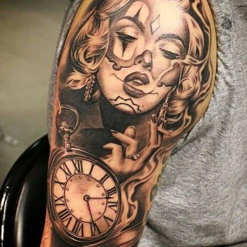 時計のタトゥー チカーノ