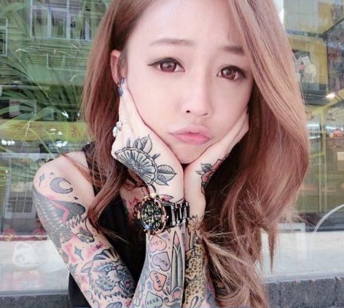 台湾のタトゥーモデル