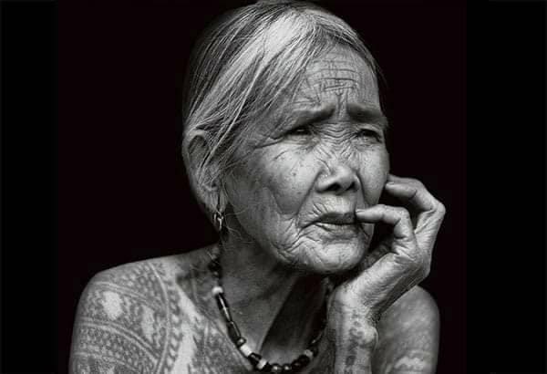 100歳のタトゥーアーティスト、ワン氏