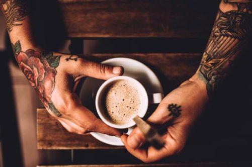 タトゥーとコーヒー 薔薇