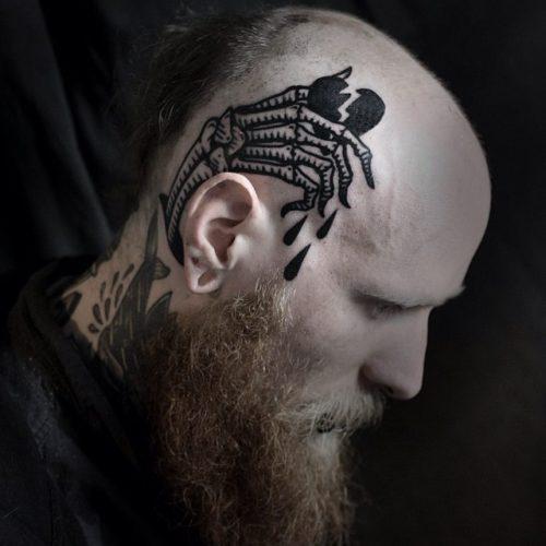 側頭部のタトゥー 骨