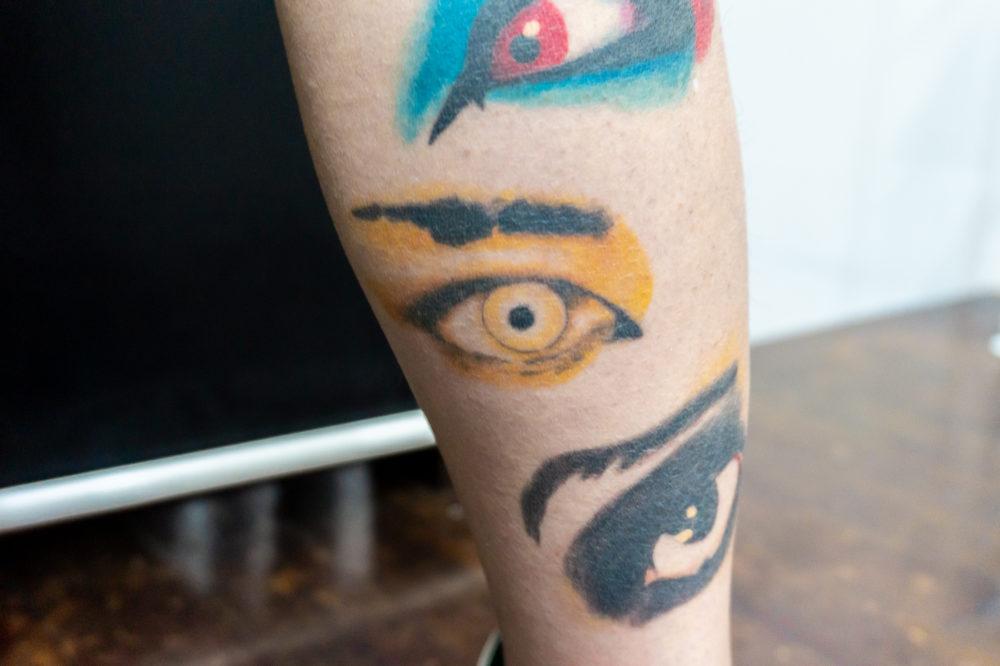 hide|目のタトゥー