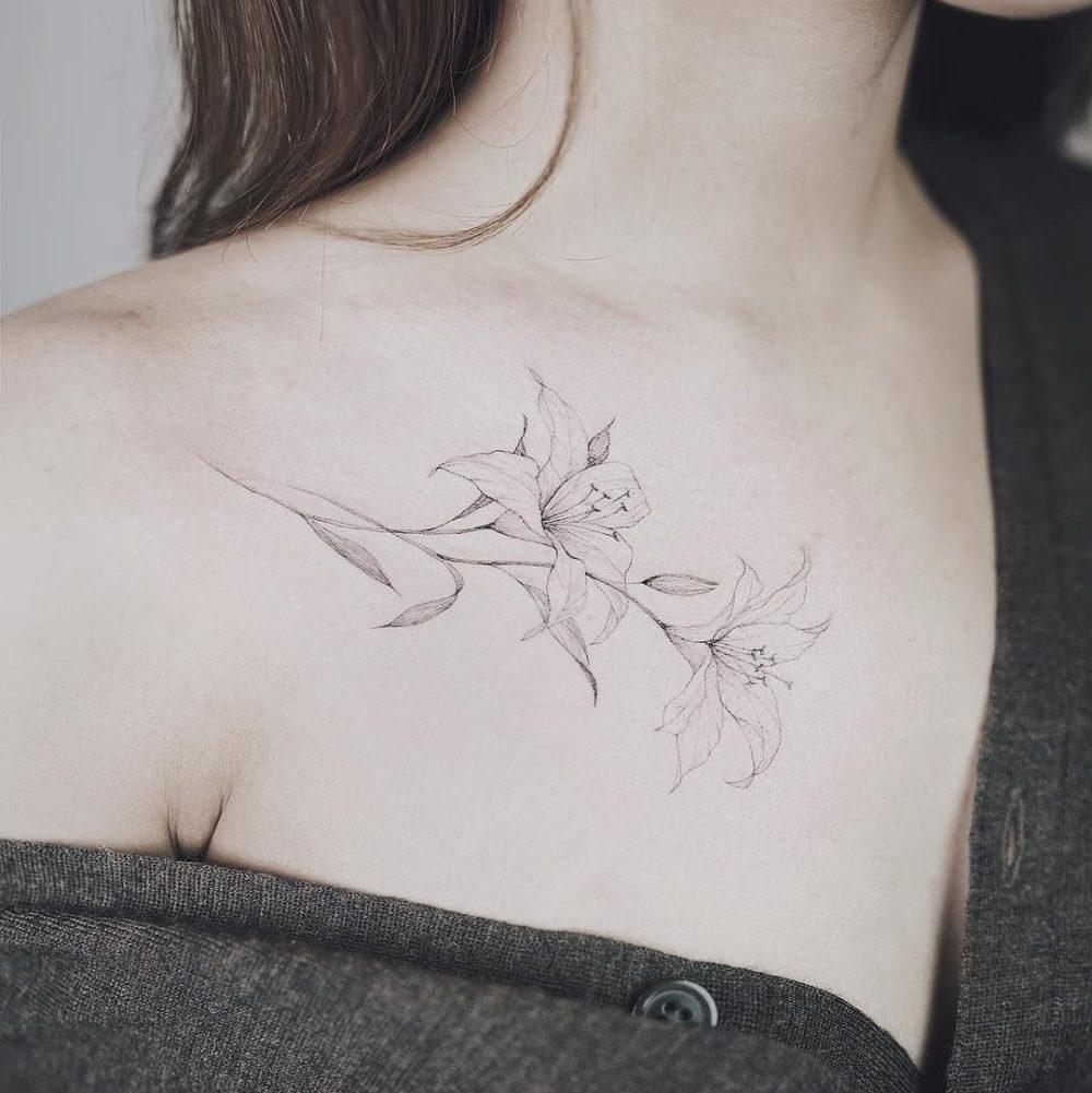 花|百合(ユリ)のタトゥー