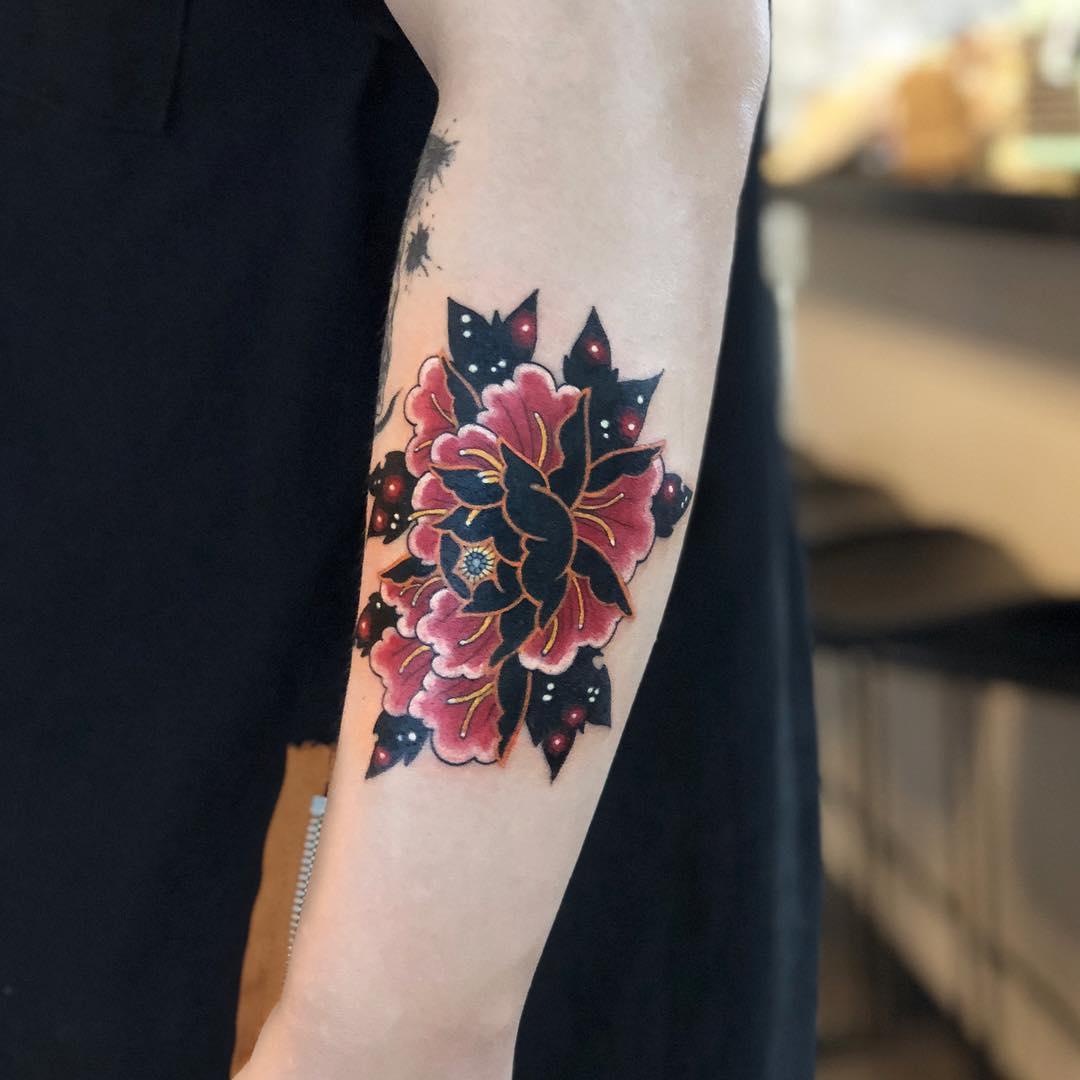 花|牡丹(ボタン)のタトゥー