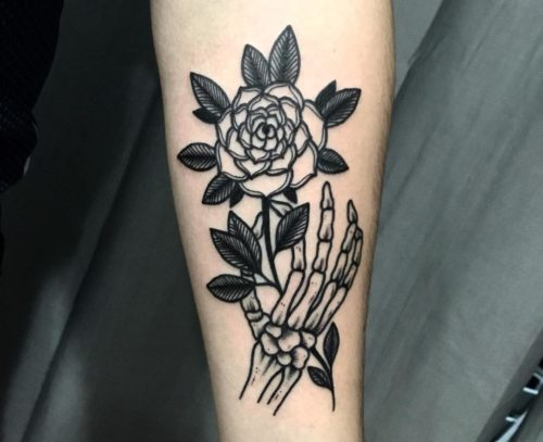 ラインワーク|薔薇のタトゥー