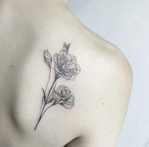 花|カーネーションのタトゥー