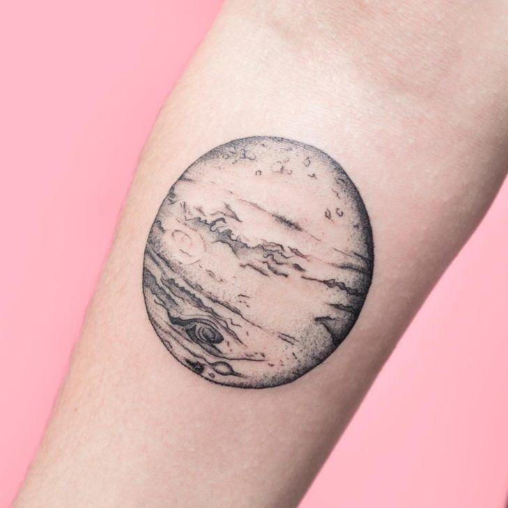 ブラックアンドグレイ|金星のタトゥー