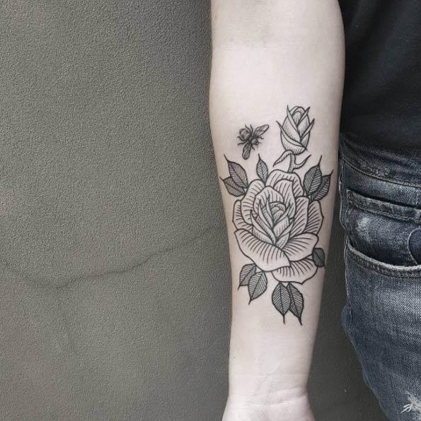 ラインワーク|バラのタトゥー