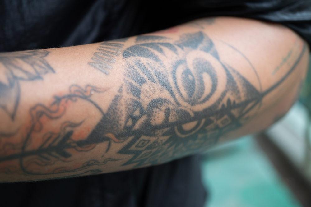 タイの男性|ドットタトゥー