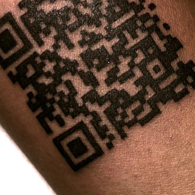 QRコード|実用的で便利なタトゥー