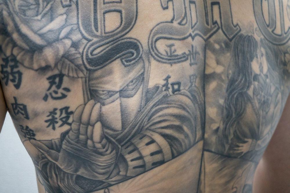 タトゥー・刺青|忍者のブラックアンドグレイ・チカーノ