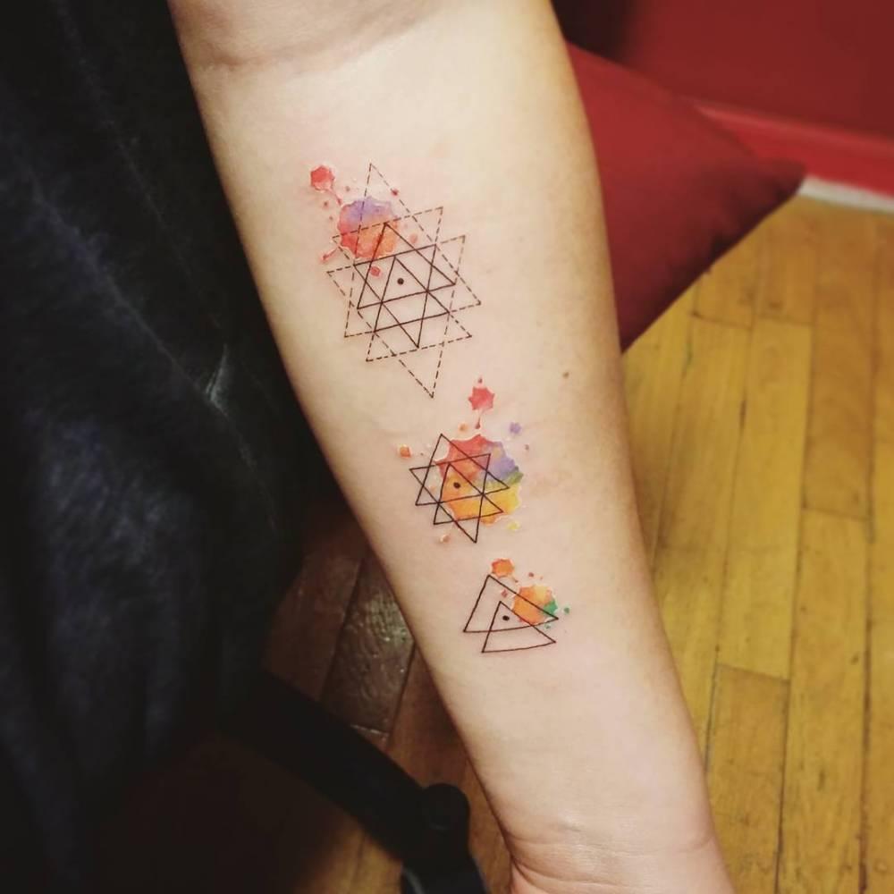 水彩タトゥーとジオメトリック|カラーワーク
